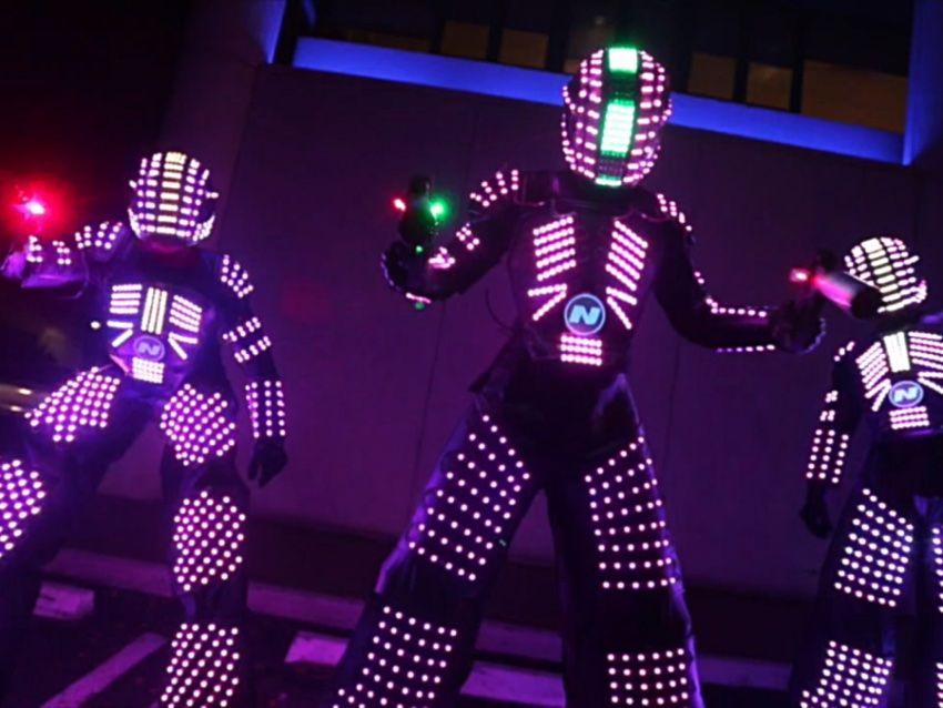 LED robot şou