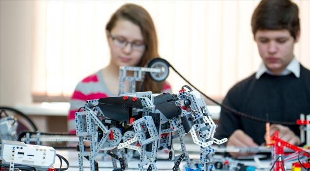 Robototexnika, radiotexnika, sxematexnika və proqramlaşdırma kursları